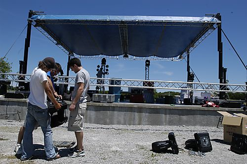 080611ichthus-damage2