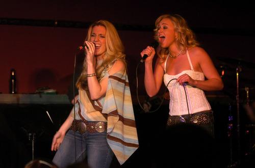 Laura & Amber