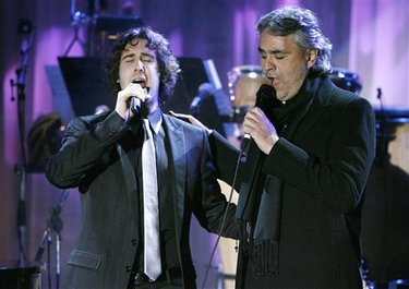 Grammys_bocelli_and_groban