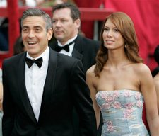 Oscars_george_clooney_sarah_larso_2