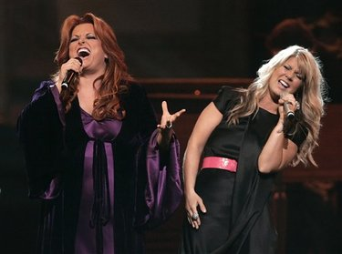 Doves_wynonna_and_natalie_grant
