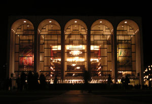 800pxmetropolitan_opera_house_at_lincoln