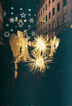 Angels_and_snowflakes