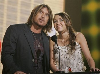 Billy_ray_and_miley_cyrus_ap_photo