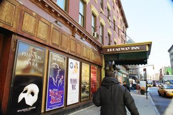 Broadway_inn_exterior
