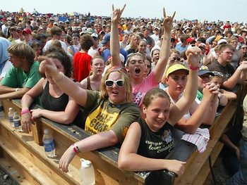 Ichthus_2006_crowd